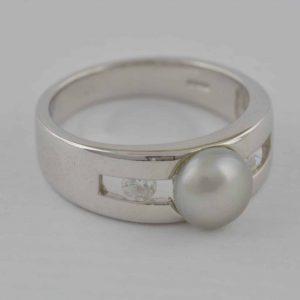 Ring 585 Weißgold mit Zirkonia und Perle